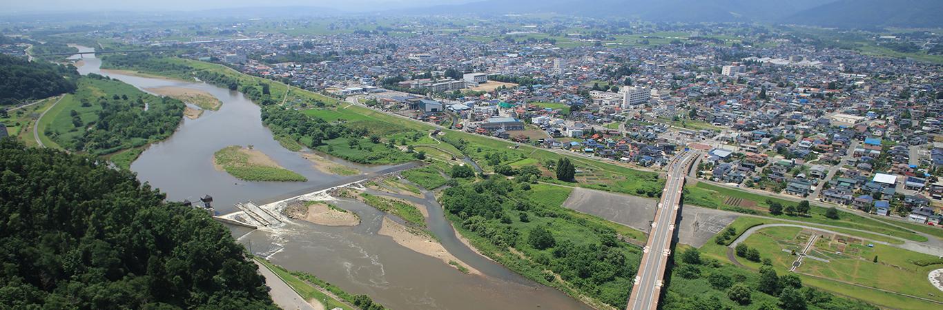 最上川上流域における長井の町場景観