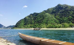 鵜舟の浮かぶ長良川と金華山